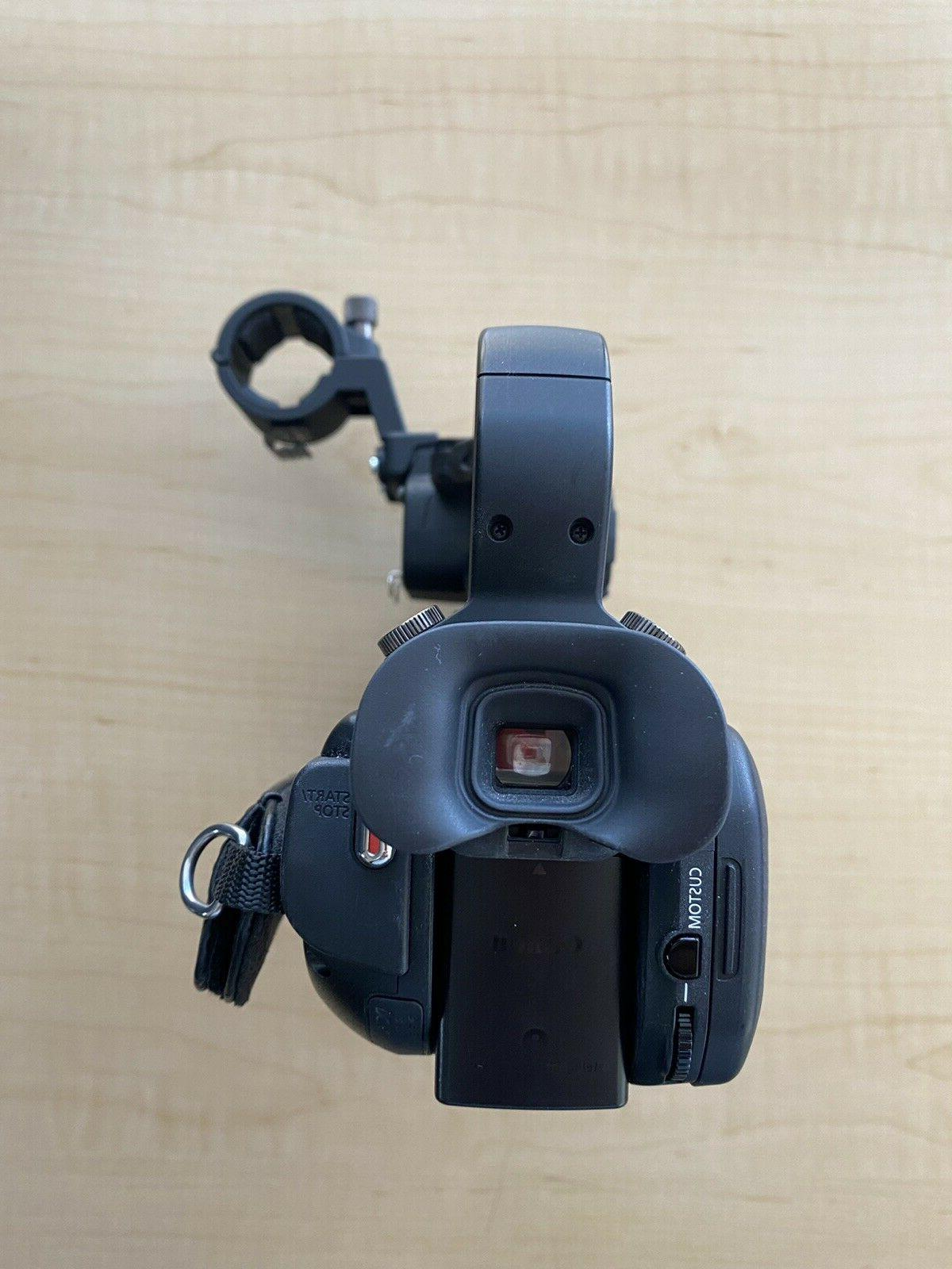 Canon XA10 Video Camera in Condition with BATTERIES
